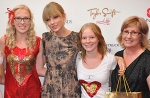 Red carpet photo activations with taylor swift and covergirl taylor swift meet and greet m4hsunfo Choice Image